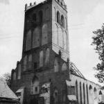 Kościół farny w Gierdawach, obecnie Železnodorožnyj, Rosja w 1992 r. (Rzempołuch A. 1996, ryc. 60).